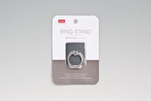ダイソーで購入した「スタンドリング」。価格は100円(税別)。カラーバリエーションは写真の鋼鉄色の他に、銀色や金色を見かけた
