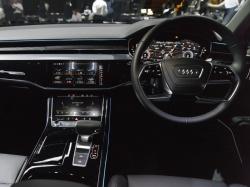 図1 Audiが8年ぶりに全面改良した旗艦セダン「A8」