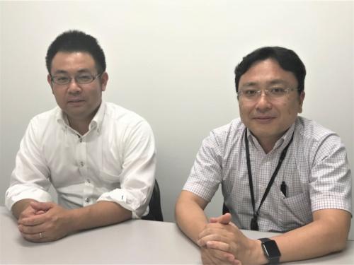 左は日本工営技術本部先端研究開発センターの野島和也主任、右は櫻庭雅明センター長(写真:日経コンストラクション)