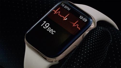 一般市販製品として初めて心電図の表示を実現したApple Watch Series 4。しかし日本発売のモデルでは封印されている