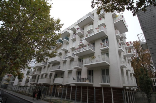 アトリエ・ワンによる公営集合住宅の外観(写真:日経アーキテクチュア)