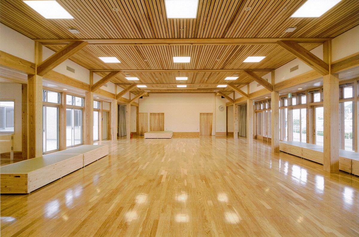 特別養護老人ホーム・ウエルプラザ洋寿荘(芸西村、2008年、RISE・細木設計共同企業体)(写真:細木建築研究所)