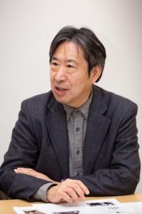 Casa di Enの構造設計を担当したホルツストラ代表で、東京大学大学院教授の稲山正弘氏(写真:浅田 美治)