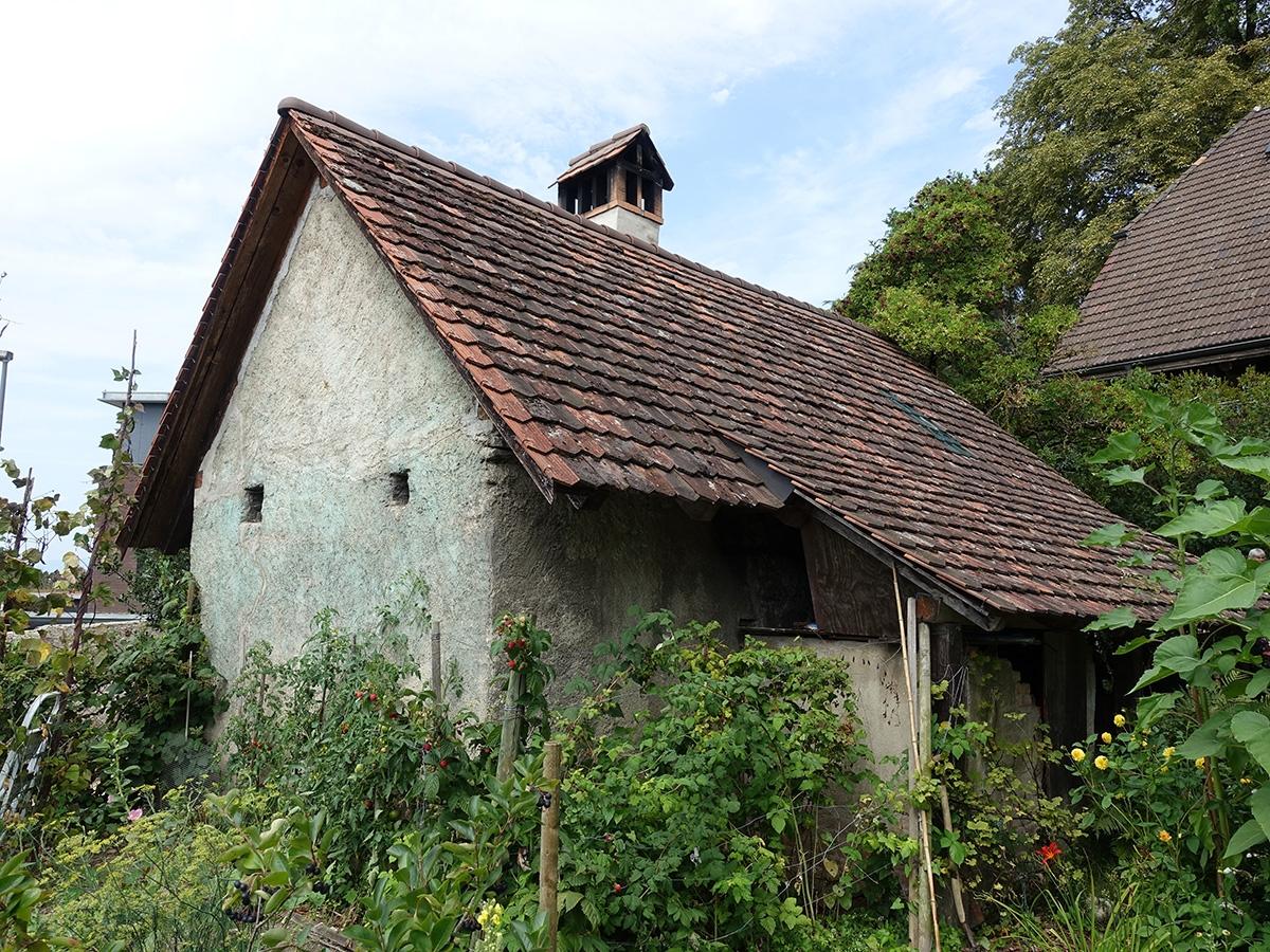 村で共同使用するパン焼き⼩屋。⽕を扱うオーブンを別棟として⽕災を防ぐとともに、貴重なまきの消費抑制につなげた(写真:網野 禎昭)