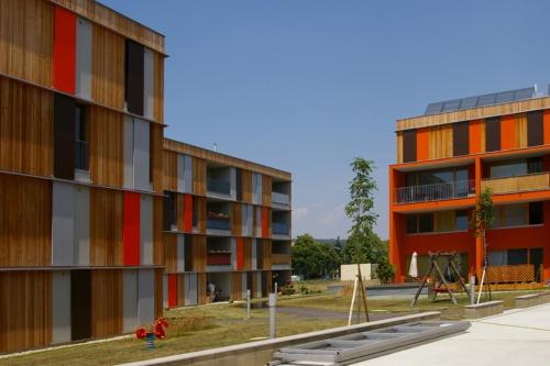 オーストリア・ウィーンの郊外にある4階建てのミュールヴェックの集合住宅(オーストリア・ウィーン、2006年、Hermann Kaufmann)(写真:網野 禎昭)
