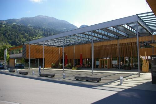 オーストリアの中山間地域にある村の庁舎。ゲマインデ・ツェントルム・ルーデッシュ(オーストリア・ルーデッシュ、2005年、Hermann Kaufmann)(写真:網野 禎昭)