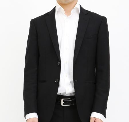 典型的な黒いリクルートスーツ