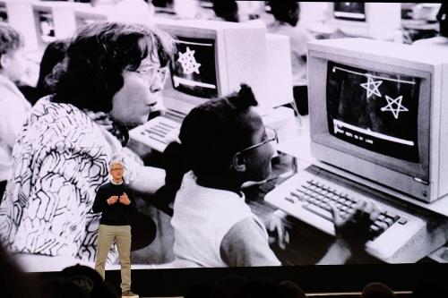 ティム・クックCEOは、教育をテーマにした2018年3月のイベントでも「利用者の個人データでビジネスはしていない」と強調していた