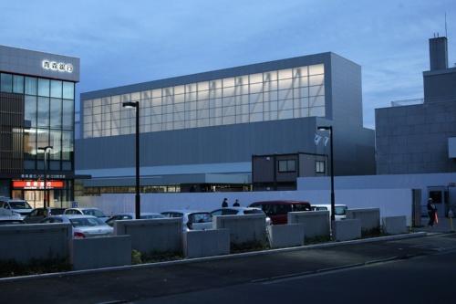 施工中の「八戸市美術館」の外観(写真:田村 友一郎)