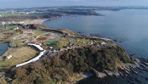 「長井海の手公園(ソレイユの丘)」の全景(写真:横須賀市)