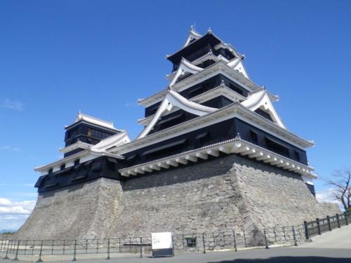 熊本城天守閣の西側外観。復旧工事が終わる直前の2021年3月1日に撮影(写真:熊本市熊本城総合事務所)