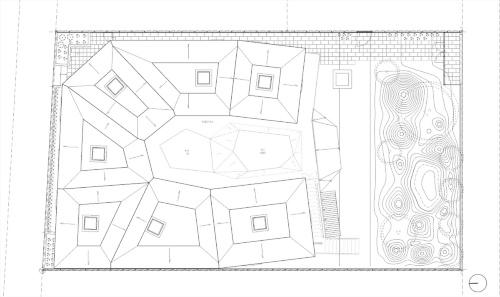 塔屋階平面図。どの部屋にも空が見える天窓がある(資料:チームラボアーキテクツ)