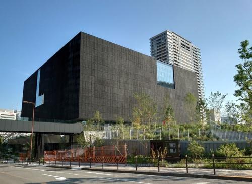 2021年6月30日に竣工した「大阪中之島美術館」の建物(写真:日経クロステック)
