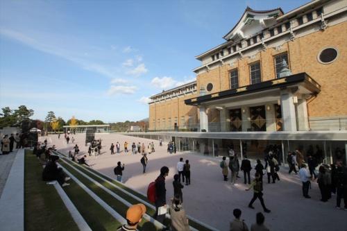 2020年3月21日の再開館を待つ京都市美術館。以下の写真とも、19年11月17日の内覧会で撮影(写真:日経アーキテクチュア)