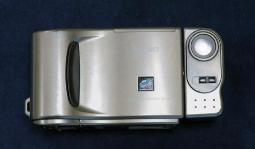 カシオのコンパクトデジタルカメラ「QV-10」