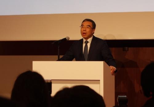 ファーウェイ会長の梁華氏は日本企業に協業を呼びかけた(撮影:日経 xTECH)