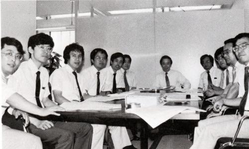 小堀研究室の開設当時のメンバー(写真:小堀鐸二研究所)