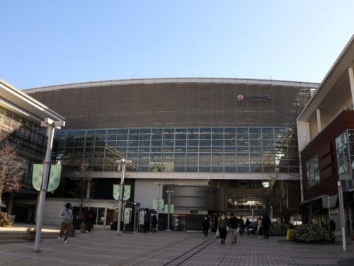 横浜市青葉区にある東急田園都市線たまプラーザ駅。東急はここを「郊外型MaaS」の実験場所に選んだ