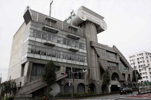 1991年に竣工した隈研吾氏前期の代表作「M2」(写真:磯 達雄)
