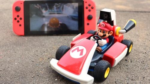 カートのマリオの頭上に装備されたカメラからの映像がNintendo Switch本体に映し出される