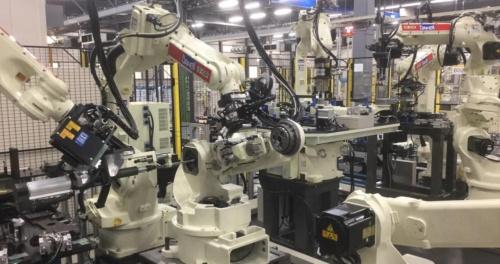ダイヘン六甲事業所のロボット生産ライン