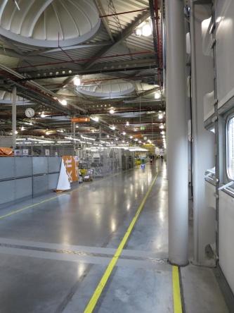 工場内の通路。