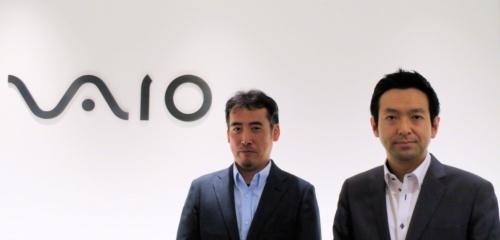 VAIO PC事業部 PC設計部 プロジェクトリーダー課 課長の巣山剛志氏(左)とPC事業部 商品企画担当の黒崎大輔氏(右)