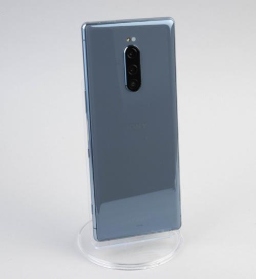 背面はゴリラガラス(Gorilla Glass)を採用しており非常に美しい