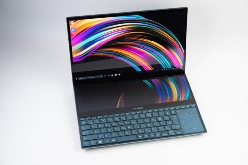 ZenBook Pro Duoは2画面を採用する斬新なモデルだ