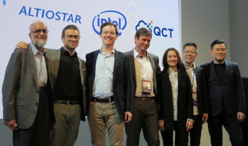 MWC19のブースではパートナー企業を招いたセッションも開催された
