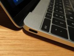新型MacBookのUSB Type-Cコネクター