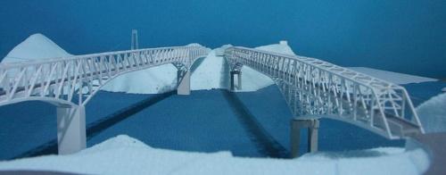 既存の天門橋(右)の隣にトラス橋を架けた場合の模型写真(写真:熊本県)