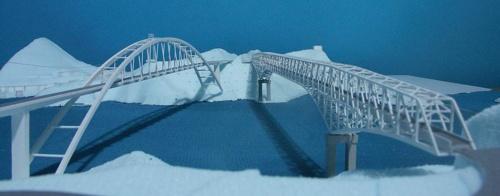 アーチ橋を架けた場合の模型写真(写真:熊本県)