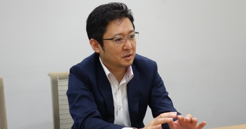 藤岡淳一=ジェネシスホールディングス代表取締役社長