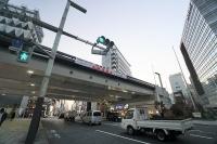 銀座通り口交差点から見るKK線の高架橋