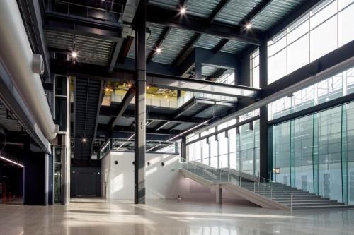 2020年11月に新設したAGC横浜テクニカルセンター新研究開発棟