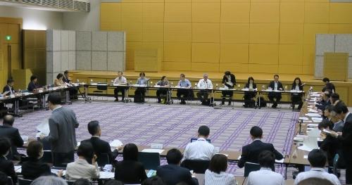 総務省の有識者会議の様子