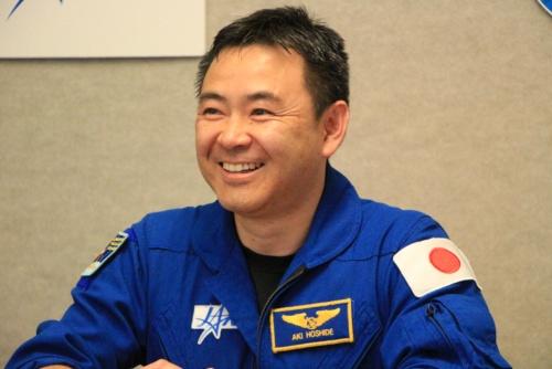 2018年3月6日に開催された、星出彰彦宇宙飛行士のISS長期滞在搭乗員の決定に関する記者会見の様子