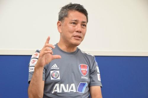 ブラインドサッカー男子日本代表の高田敏志監督。2013年にブラインドサッカー日本代表のGKコーチに就任。2015年11月より現職。ITサービスマネジメントやシステム運用コンサルティング、アスリートなどのマネジメントをするアレナトーレの代表取締役も務める