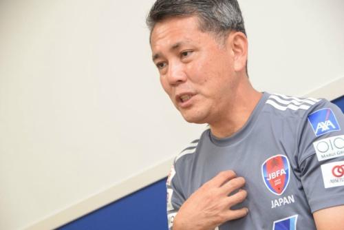 ブラインドサッカー男子日本代表の高田敏志監督。2013年にブラインドサッカー男子日本代表のGKコーチに就任。2015年11月より現職。ITサービスマネジメントやシステム運用コンサルティング、アスリートなどのマネジメントを務めるアレナトーレの代表取締役も務める