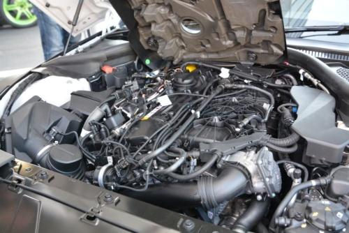 図2 新型スープラが搭載する排気量3Lのツイン・スクロール・ターボ付き直列6気筒エンジン