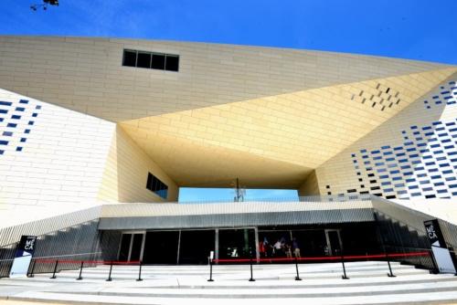 南フランスのボルドーで2019年6月28日にオープンした総合文化センター「MÉCA」(写真:武藤 聖一)