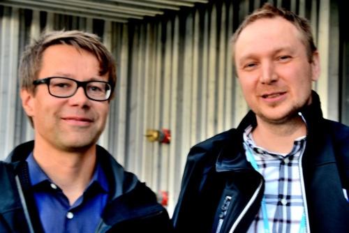 左が建築家のSamuli Saalinen(サムリ・サーリネン)氏で、右が建設エンジニアのTomi Rautiainen(トミー・ローテイネン)氏(写真:武藤 聖一)
