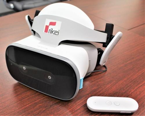 理経が避難訓練用VRシステムに採用したレノボ製のスタンドアロン型VRヘッドマウントディスプレー