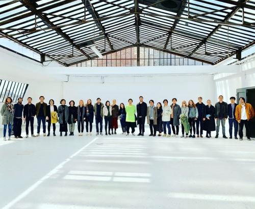 30人を超えた多国籍のスタッフとともに、新しい事務所への移転を準備中。19年7月に移る予定(写真:Atelier Tsuyoshi Tane Architects)
