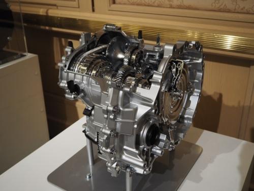 図1 無段変速機「D-CVT」のカットモデル