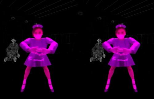 目の前に現れたダンサー。静止画だとバーチャルに見えるが、本当にそうだろうか。バーチャルダンサーの質感は非常に高く、映像では本物そっくりに見える。逆に本物のダンサーは、わざと粗く見せたりもする(資料:ライゾマティクス)