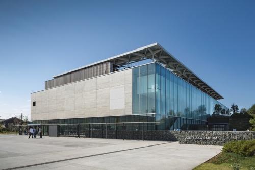 水族館「上越市立水族博物館 うみがたり」。教育施設でもある(写真:浅田 美浩)