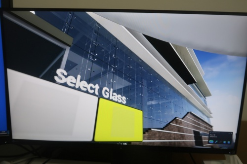ガラスの種類もVR内で選択できる(写真:日経クロステック)