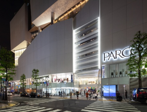 新生「渋谷PARCO」の夜の姿(写真:吉田 誠)